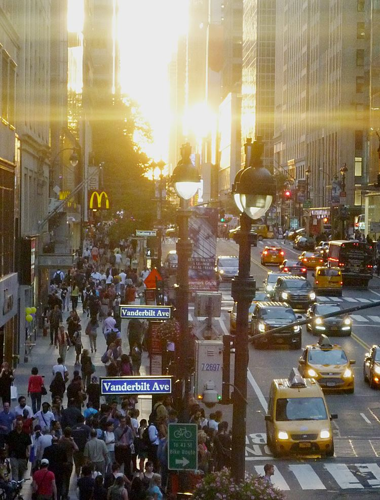 Manhattanhenge in NY 2016