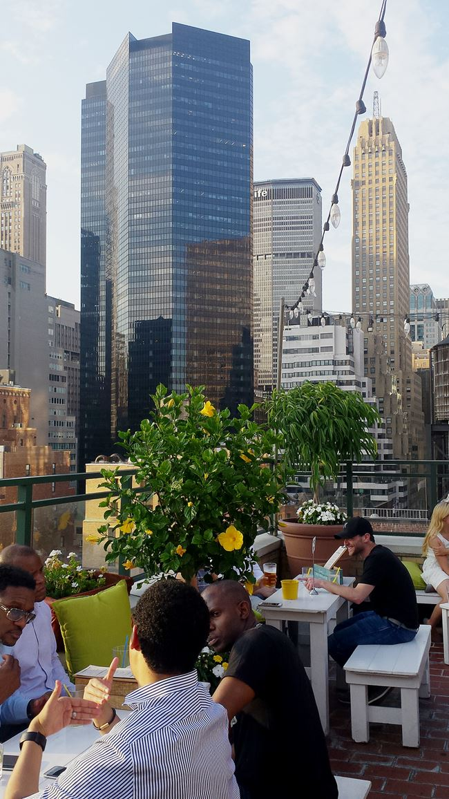 New York auf Rooftop Bar