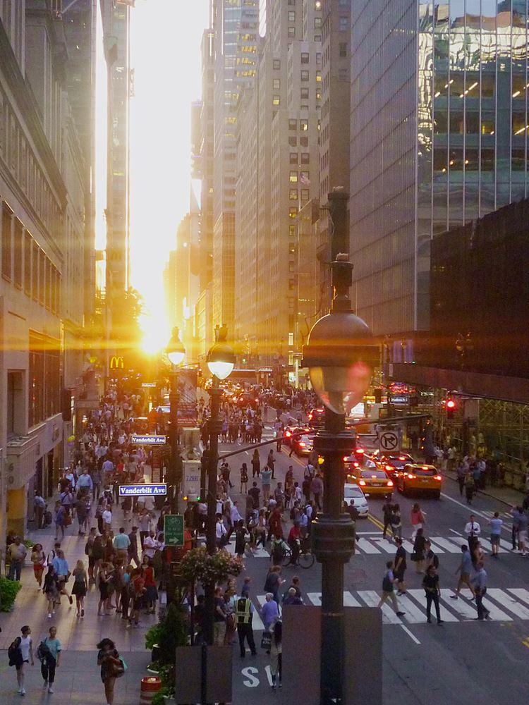 Manhattanhenge in NY 2016