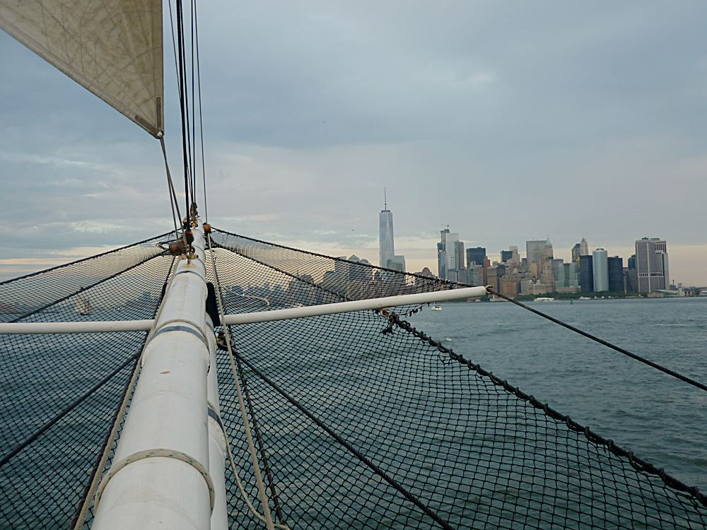 Segelboot Tour um Governors Island und Liberty Island in New York