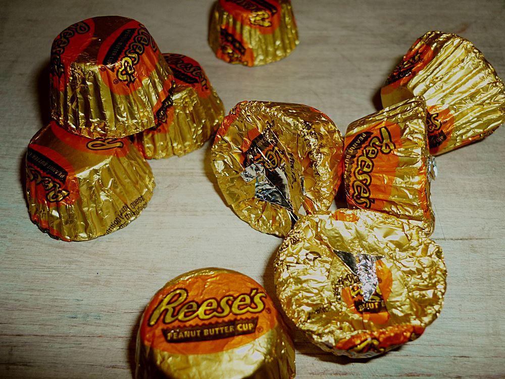 reeses-erdnussbuttercups-mit-schokoladenueberzug