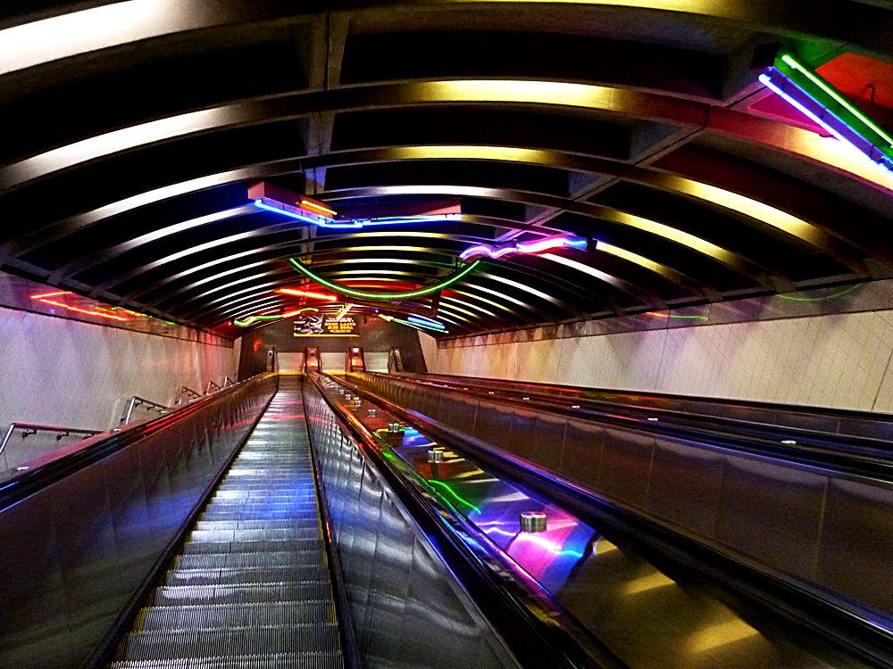 rolltreppe-zur-ubahn-in-new-jersey-nach-new-york