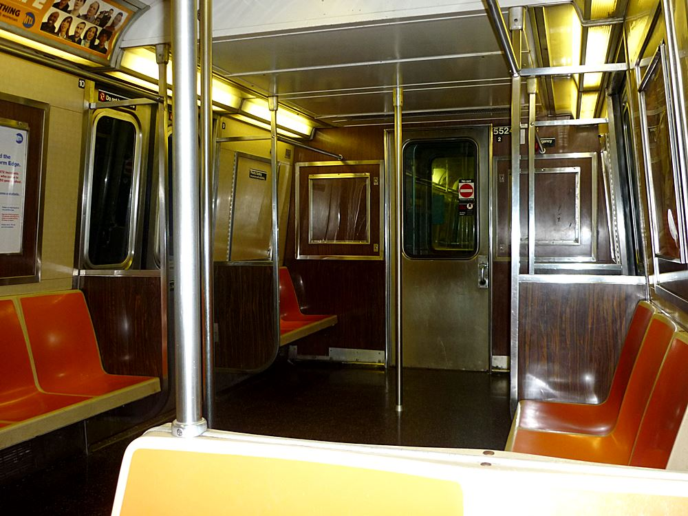 alter-subway-wagon-in-manhattan