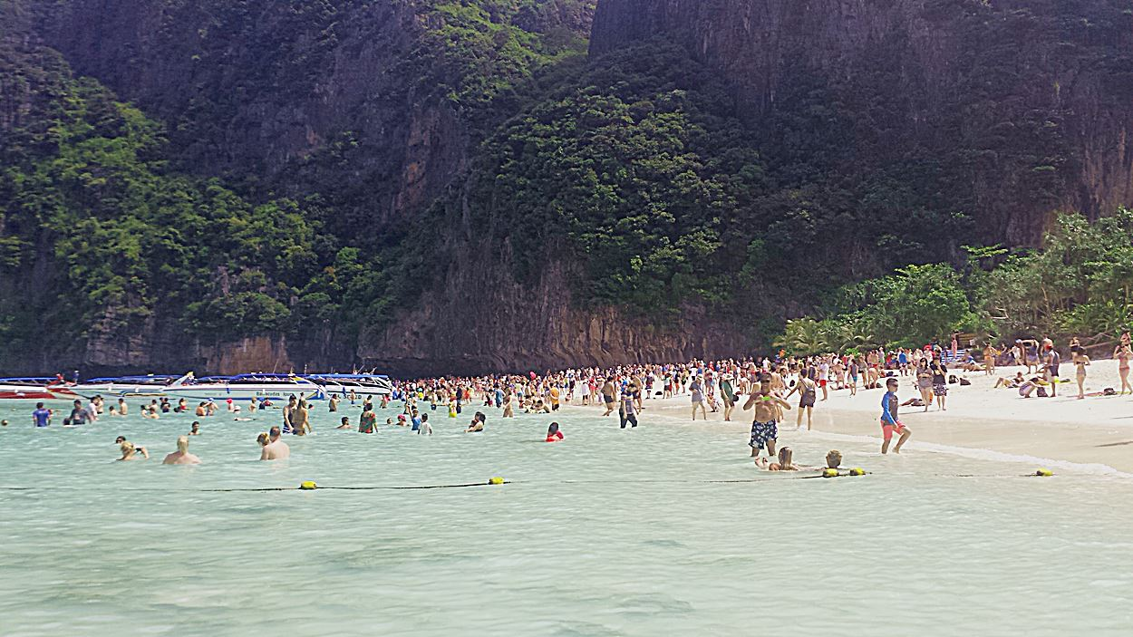 maya-bay-the-beach-kho-phi-phi-thailand
