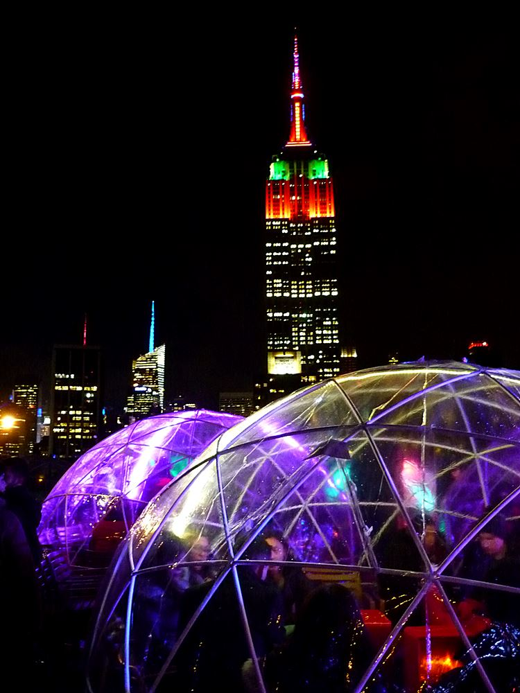 winter-rooftop-bar-iglu-nyc