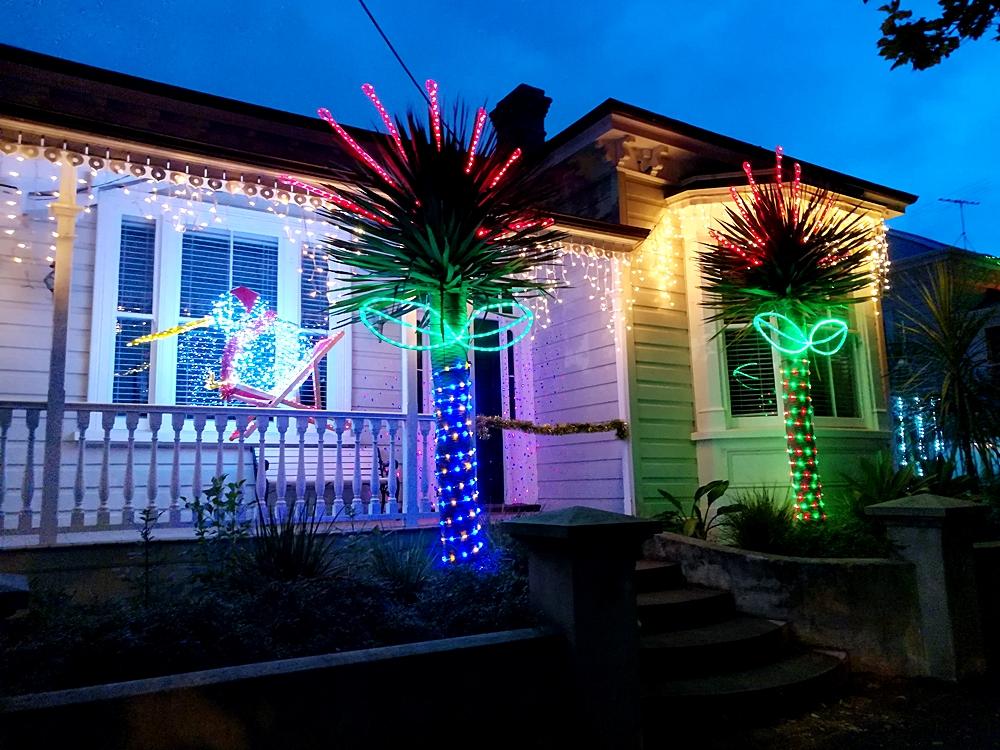 Franklin Road in Auckland Weihnachtsdekoration