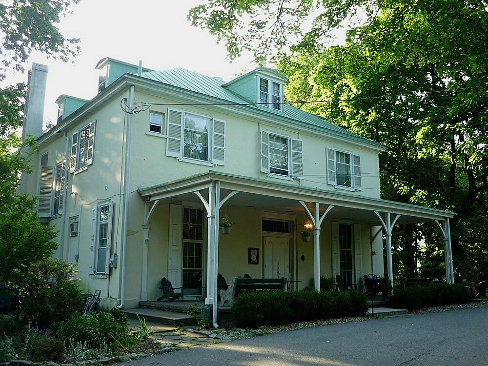 Hostel Villa in USA