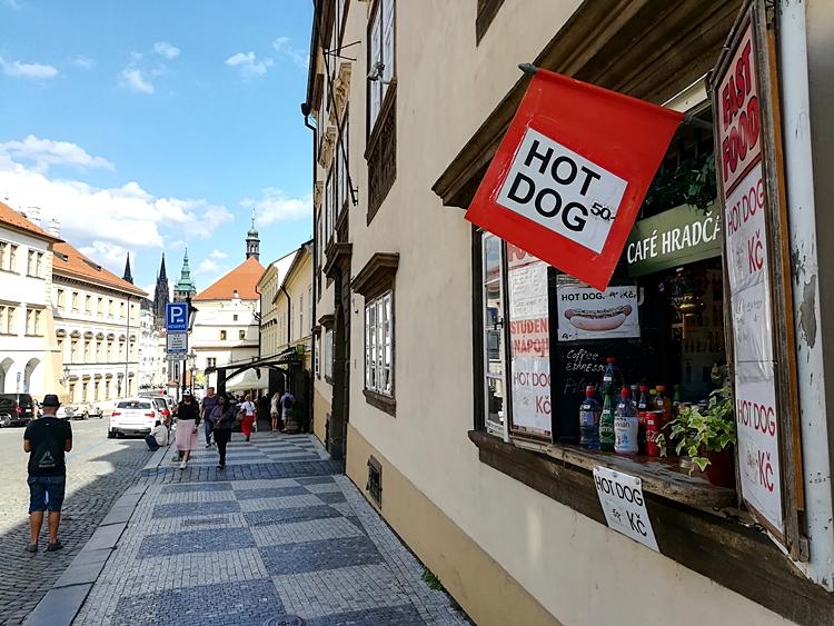 Strassencafes in Prag